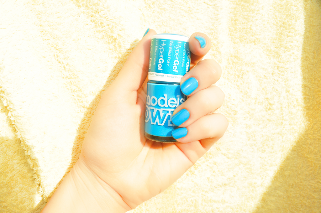 Vernis Models Own Bleu
